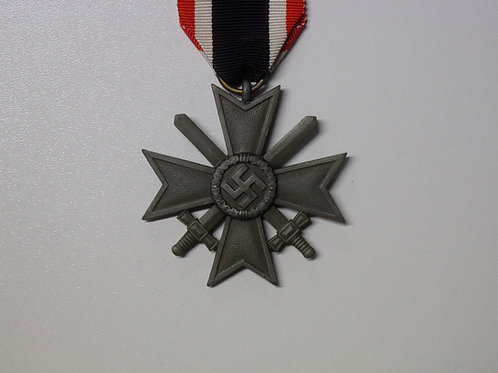 Kriegsverdienstkreuz 2. Klasse mit Schwertern (KVK), zink, Hersteller 10