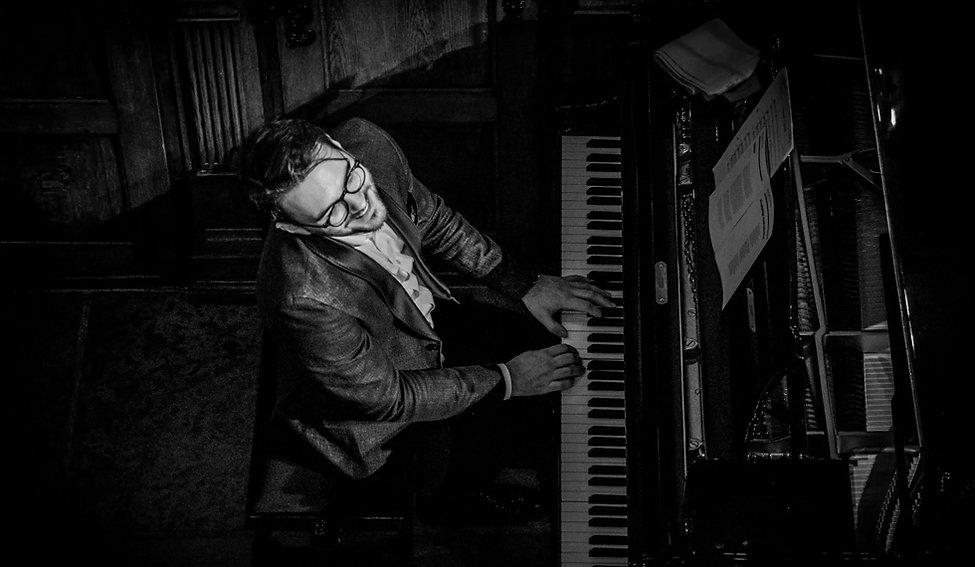 Pianomand.jpg