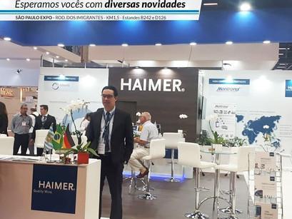Danilo Tamaru no estande da Haimer na EEXPOMAFE