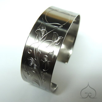hand gravure titanium armband