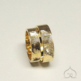 gouden trouwringen met vingerafdruk