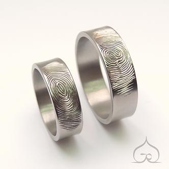 titanium trouwringen vingerafdruk