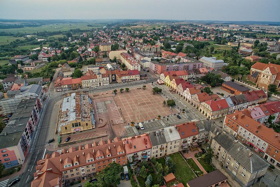 1599px-Łomża_–_Stary_Rynek.jpg