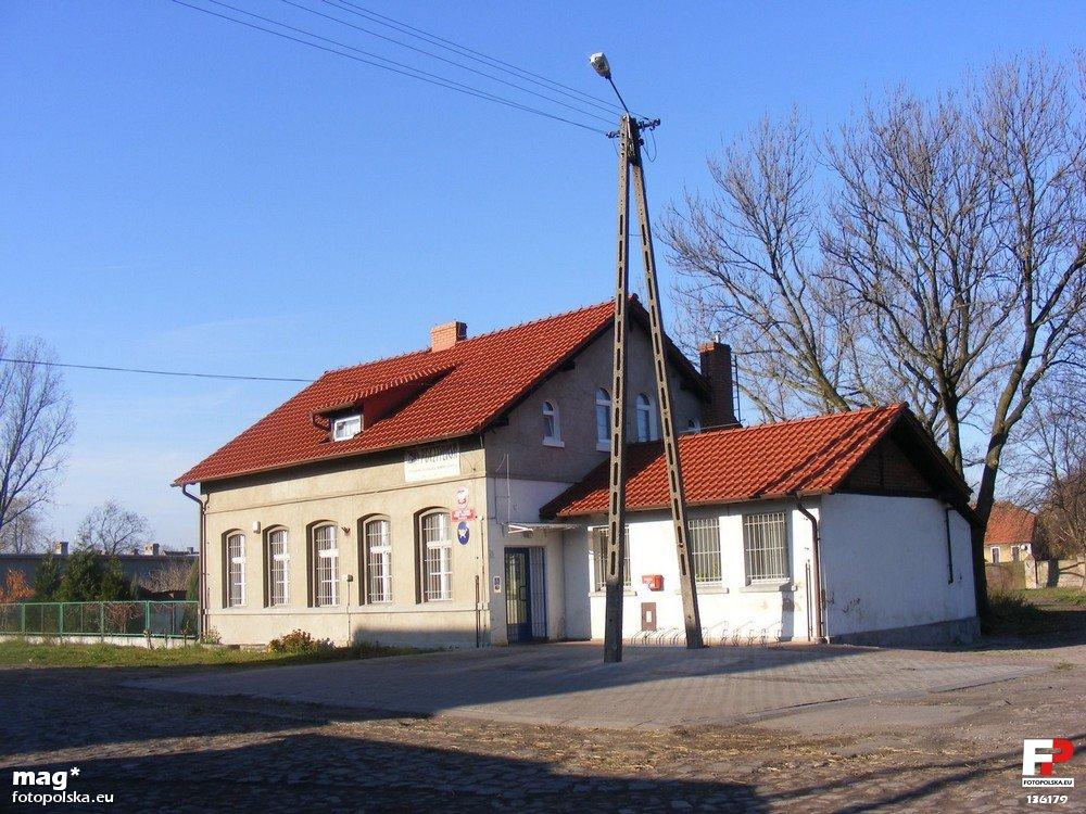 Dawny dworzec w Rozdrażewie