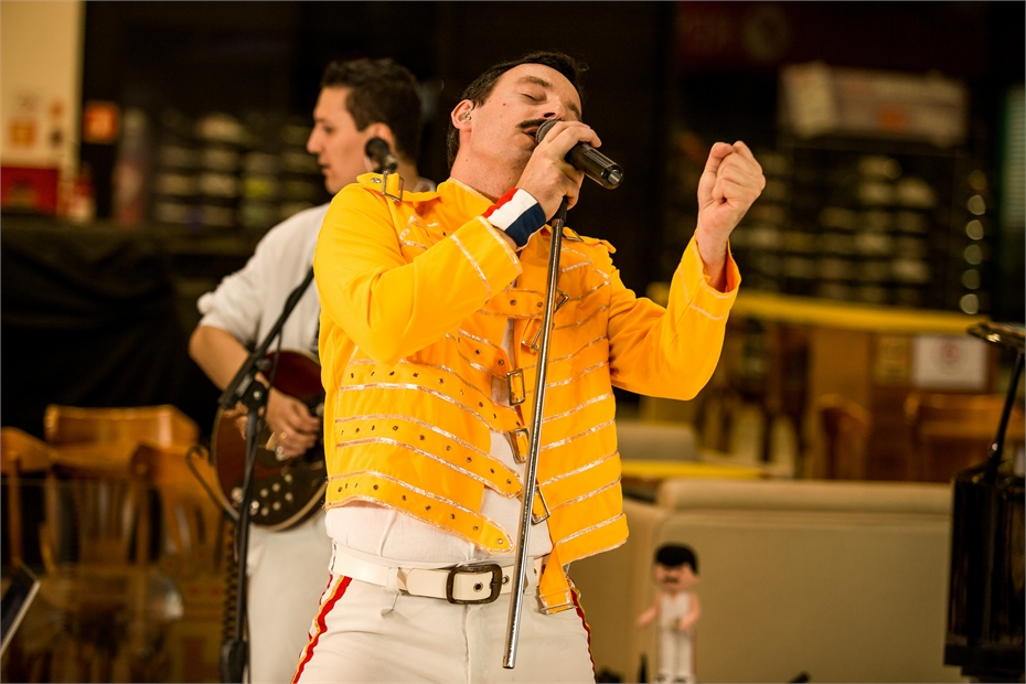 Live Queen-27