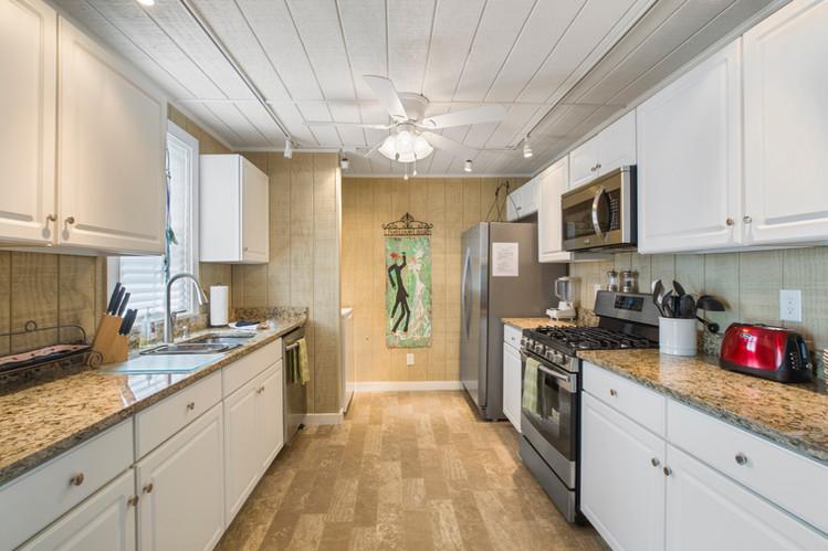 loft_kitchen.jpg