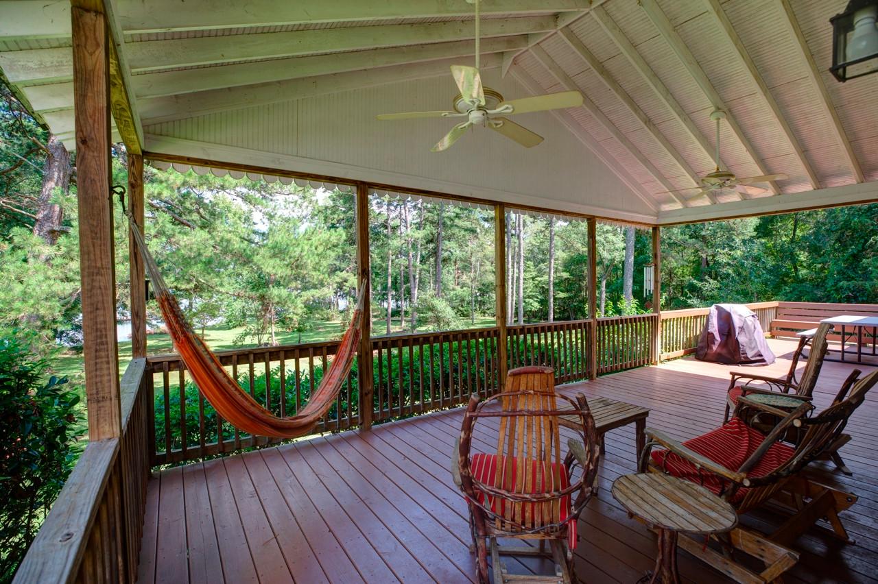 cottage_porch.jpg