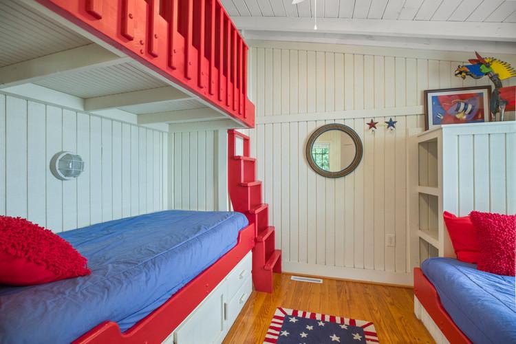 cottage_bedroom_bunks.jpg
