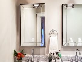 Vanity & mirrors