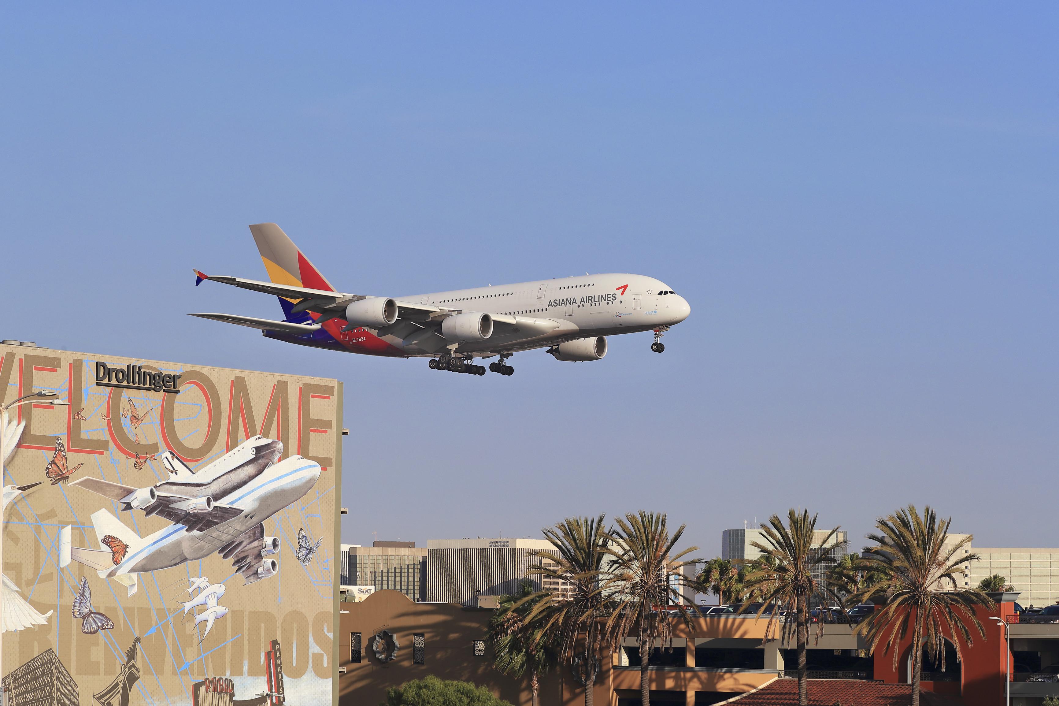 22_福世 敦ーLos++Angelesの街角ーアメリカーロサンゼルス国際空港.