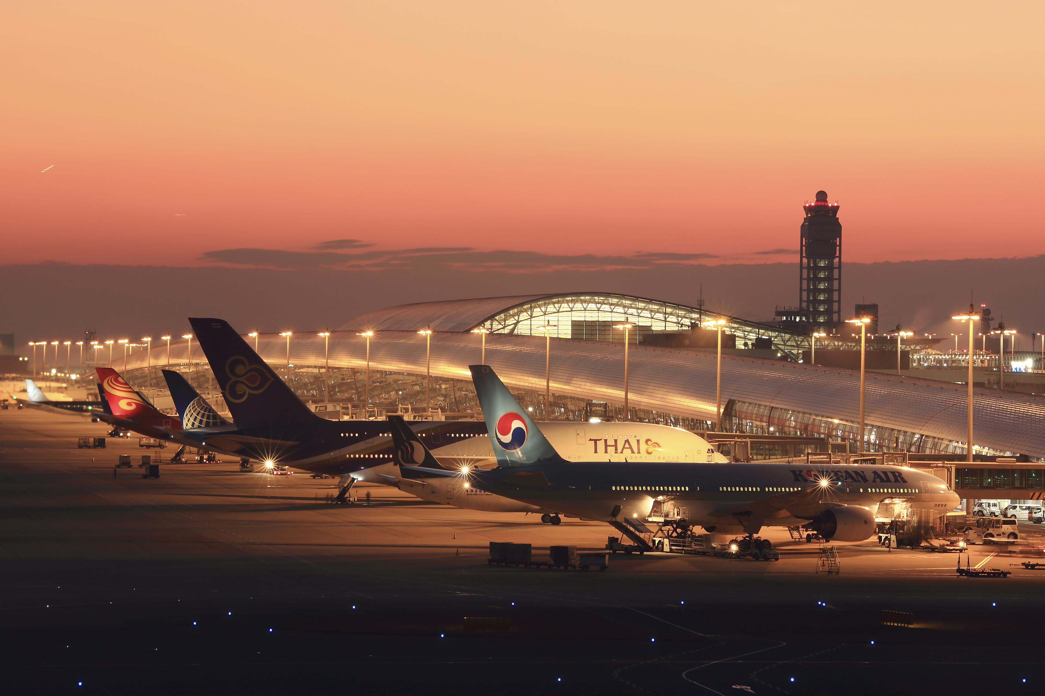 12_小松美紀 次はどの飛行機に乗ってどこへ行く? 大阪 関西国際空港