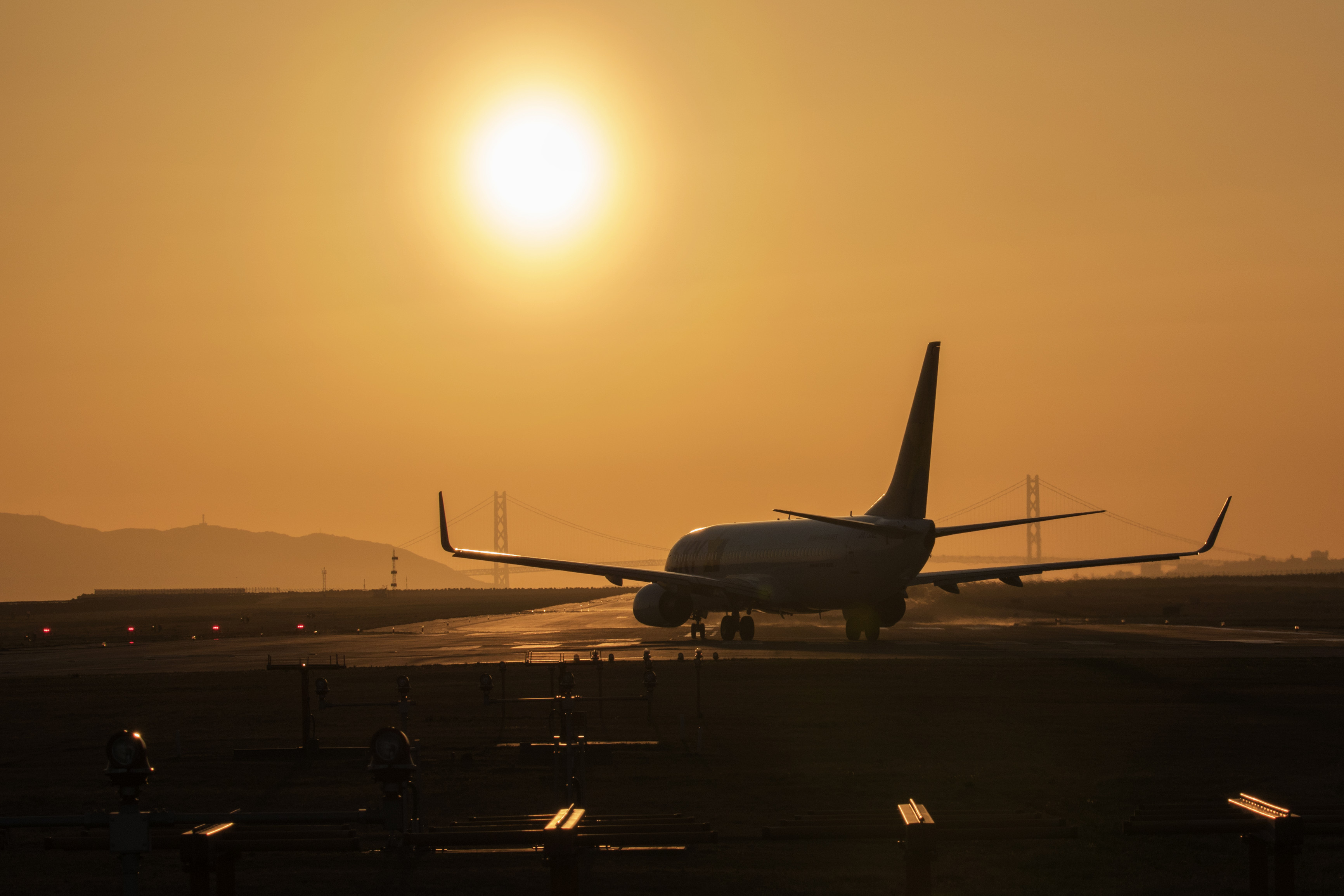 05_Sacci_旅立ちの時_神戸空港_トリミング角度調整