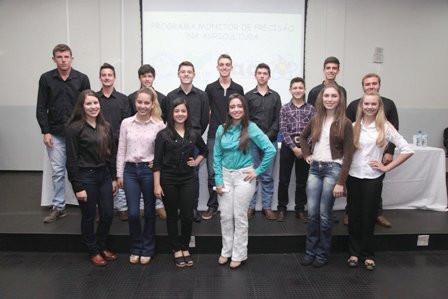 Alunos do Colégio Agrícola apresentam projetos de cursos