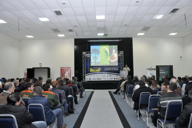 Presidente da FAEP faz palestra em Ponta Grossa e defende mobilização do setor privado