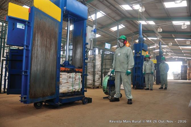 Brasil recicla 94% das embalagens  de defensivos agrícolas