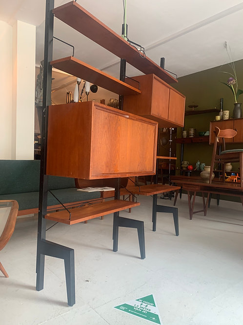 Vintage roomdivider / wandmeubel Poul Cadovius