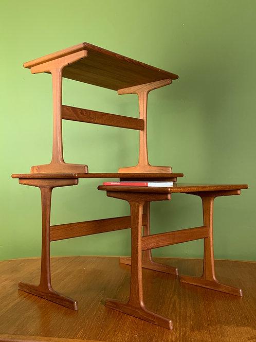 nesting tafels Kai Kristiansen set tafels