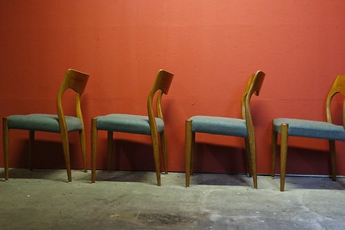 Arne Hovmand Olsen eetkamerstoelen Deens design