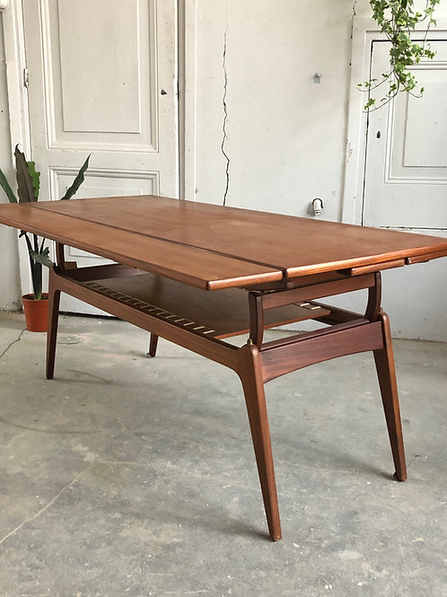 Vintage Metamorphic coffee table by BC Mobler