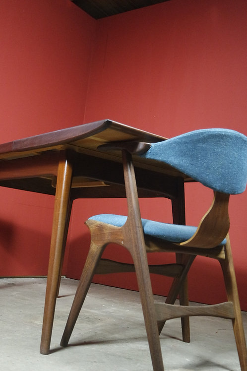 Wébé Louis van Teeffelen dining table/ eettafel