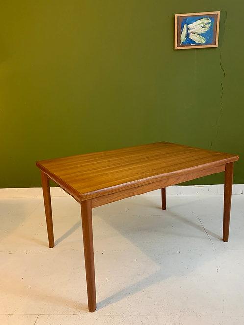 Vintage tafel Henning Kjearnulf, Deens teak