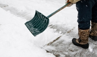 10 Tips on How to Avoid Snow Shoveling-Related Back Pain