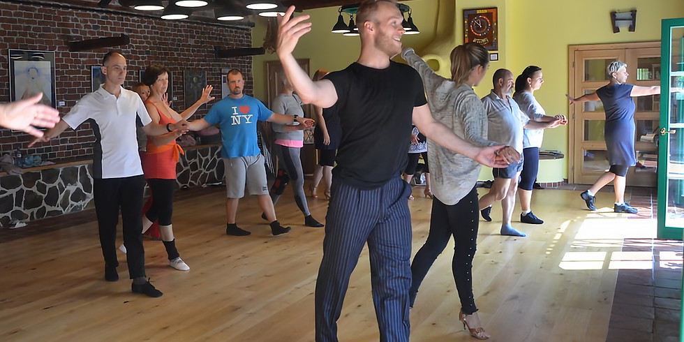 Letní škola tance v Holosu