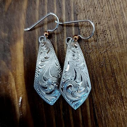 Pointed drop earrings