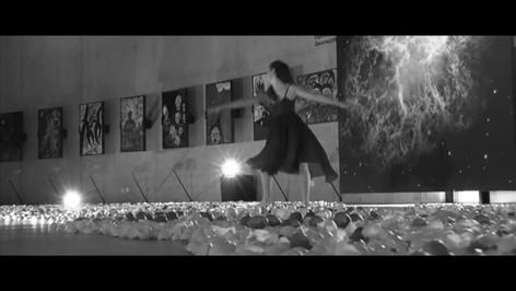 Eierschalen Installation Labyrinth und Tanz