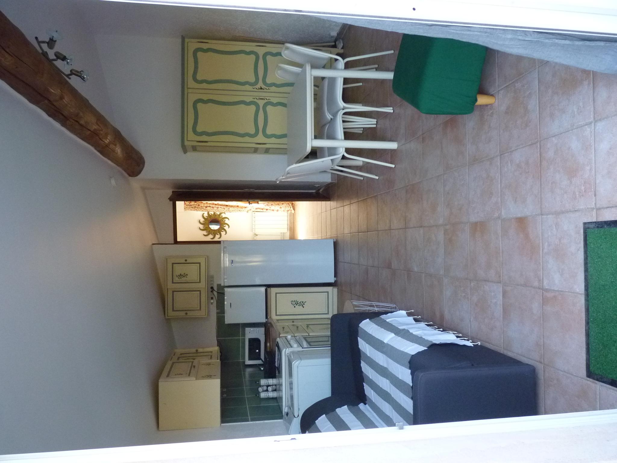 Salon cuisine gîte Figuier
