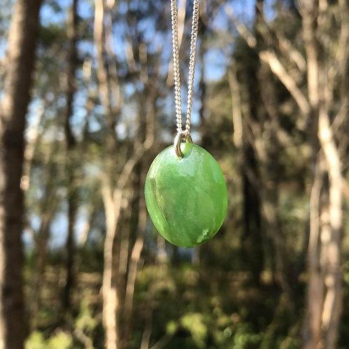 Circle pendant on silver chain (Russian jade)