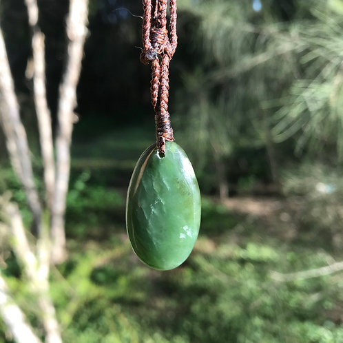 Teardrop pendant (Canadian jade)