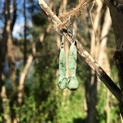 Seedling earrings (New Zealand pounamu)