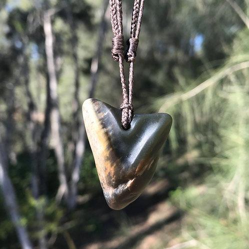 Tooth pendant (USA jade)