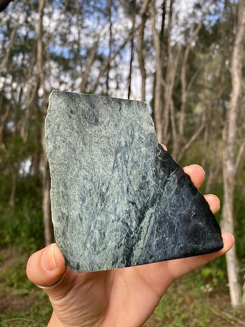 Raw and polished - New Zealand Serpentine