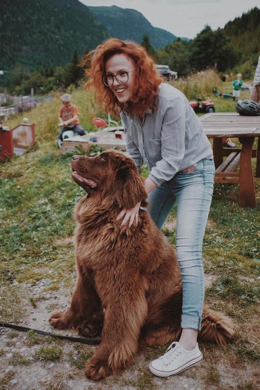 portrett_jenta_og_hund