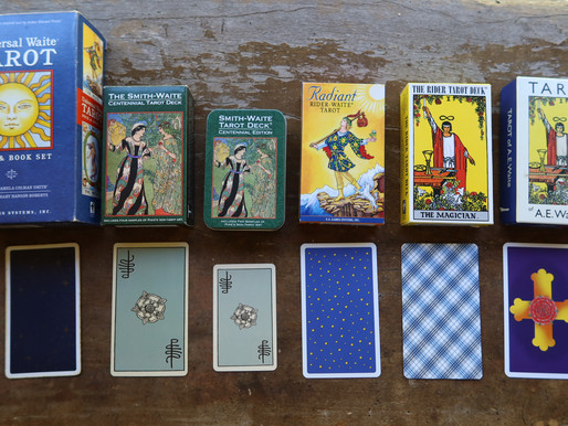 Rider Waite Smith tarot deck: which version?