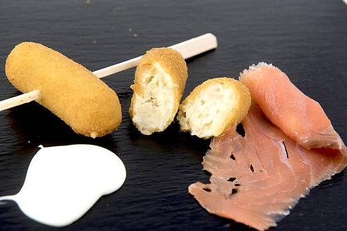 Croquetas de salmón ahumado con queso
