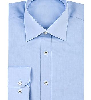 Светло-голубая рубашка кнопки вверх