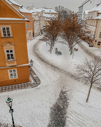 nobody-winter-snow-square-view-old-town-czech-republic-view-of-prague-prague-architecture-