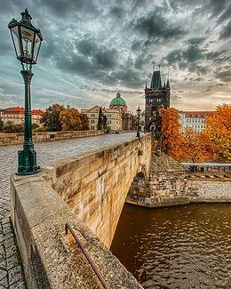 nobody-sky-bridge-autumn-morning-clouds-prague-architecture-prague-city-prague-square_t20_
