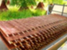 Proutěné ploty ve velkém formátu v šířce 3 nebo 4 metry jsou luxusním kouskem pro náročné zákazníky. Panely dají vyniknout vzoru v jednolité ploše a nemají žádné spoje a mezery. Dojem z proutěného plotu je tak víc než dokonalý.