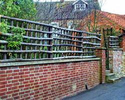 Brány a ploty z masivní vrby