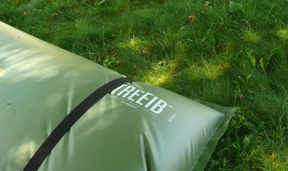TREEIB® straps for anchoring the bags.