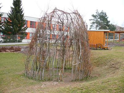 Původní stav Vrbového teepee MŠ Vorlina