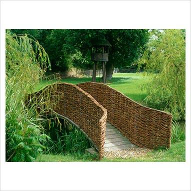 Vrbový zahradní most
