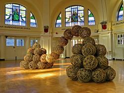 Abstrakce z vrbových koulí