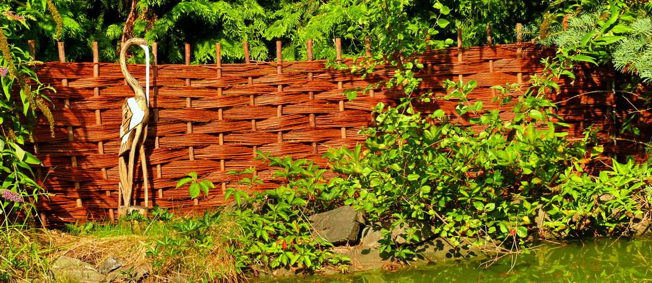Proutěný plot šachovnice