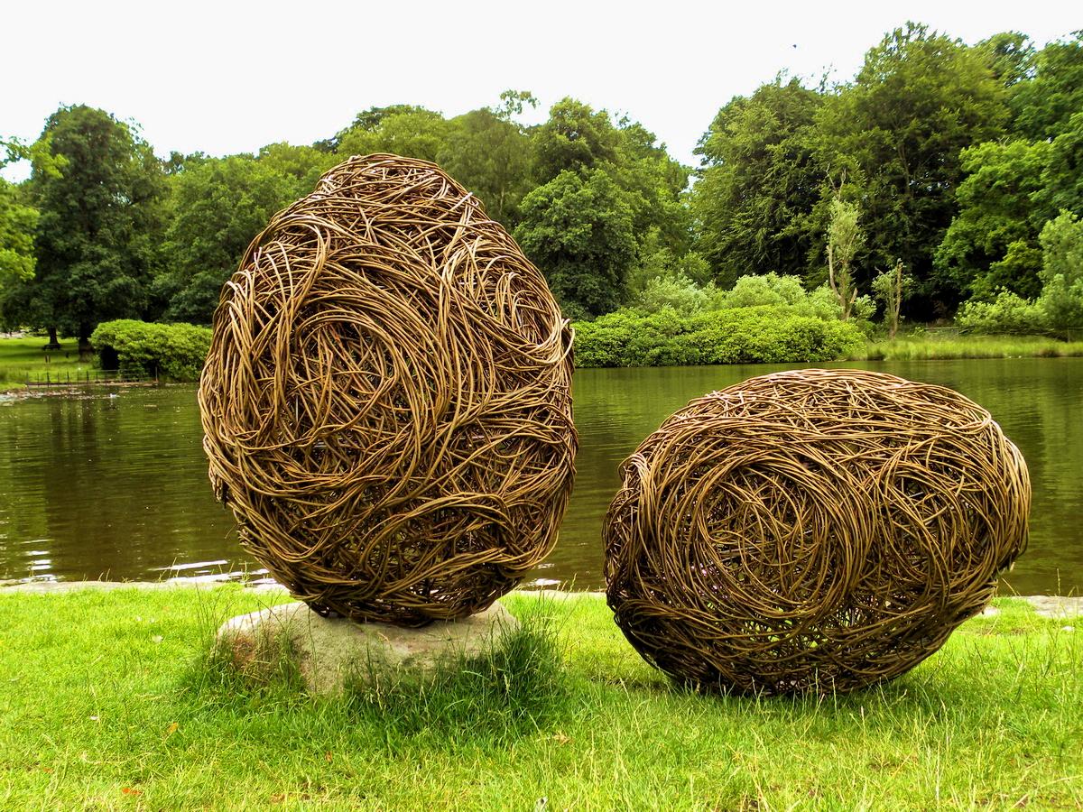 Pštrosí vejce z vrby