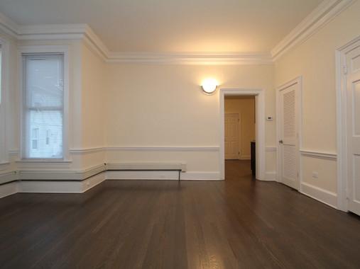 138 flax hill 1b living room c.jpg
